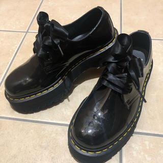 ドクターマーチン(Dr.Martens)の本日限定値下げ!Dr.Martens ドクターマーチン 厚底 リボン HOLLY(ローファー/革靴)