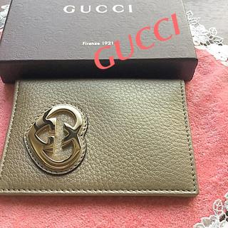 グッチ(Gucci)のGUCCIゴールドパスケース(名刺入れ/定期入れ)