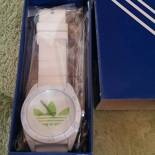 アディダスラバーウォッチ白緑 レディースのファッション小物(腕時計)の商品写真