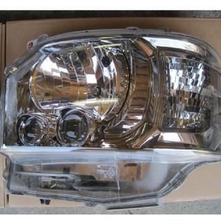 トヨタ(トヨタ)の200系 ハイエース 4型 ダークプライム 純正LEDヘッドライト 左右  (車種別パーツ)