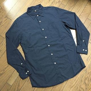 ユニクロ(UNIQLO)の美品UNIQLO ドット柄シャツ ユニクロ(シャツ)