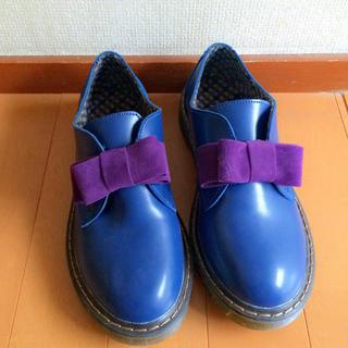 ブルー×パープルリボン 革靴(ローファー/革靴)