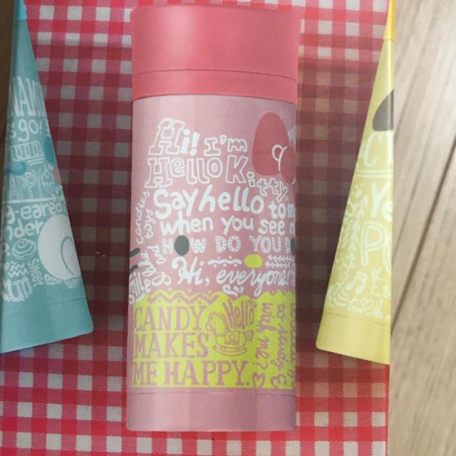 サンリオ(サンリオ)のハローキティ 保温保冷 ステンレスボトル 新品未開封‼️ キッズ/ベビー/マタニティの授乳/お食事用品(水筒)の商品写真