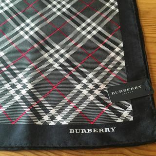 バーバリー(BURBERRY)の紺チェックミニスカーフ(バンダナ/スカーフ)