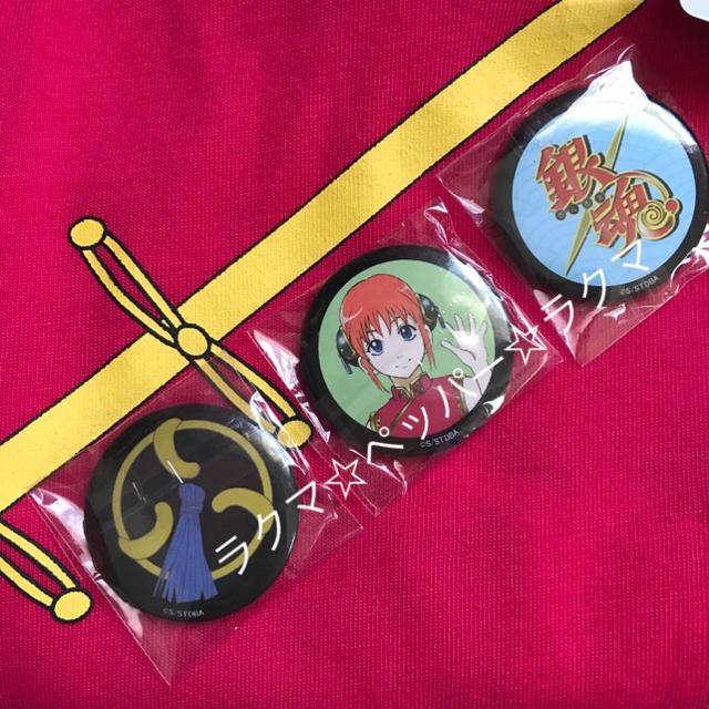BANDAI(バンダイ)の銀魂 神楽 tシャツ M 缶バッジ付き レディースのトップス(Tシャツ(半袖/袖なし))の商品写真
