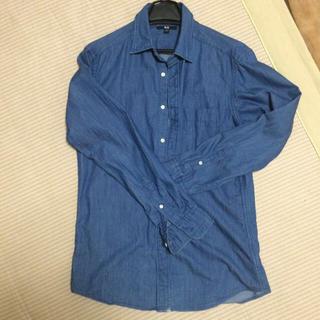 ユニクロ(UNIQLO)のデニムシャツ(シャツ)