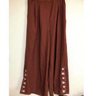 シマムラ(しまむら)のしまむら ブラウン 花柄刺繍 ワイドパンツ(カジュアルパンツ)