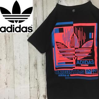 アディダス(adidas)の【アディダスオリジナルス】【ビッグロゴ】【赤×青×黒】【Tシャツ】(Tシャツ/カットソー(半袖/袖なし))