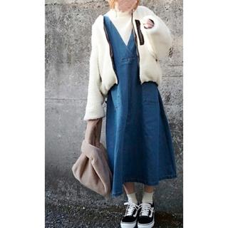 メルロー(merlot)のサイドポケットデニムロングワンピース ブルー メルロー merlot (ロングワンピース/マキシワンピース)