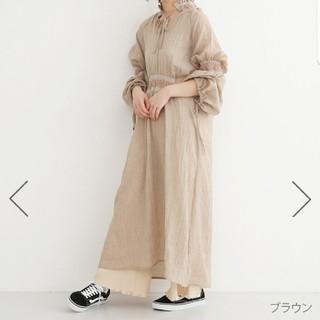 メルロー(merlot)の刺繍シャーリングワンピース(ロングワンピース/マキシワンピース)