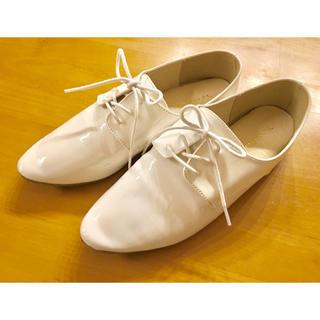 ラクテン(Rakuten)のレースアップシューズ  ホワイト白  Lサイズ  アウトレットシューズレディース(ローファー/革靴)