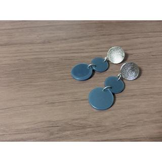 ジーユー(GU)のGU piercing blue silver circle(ピアス)