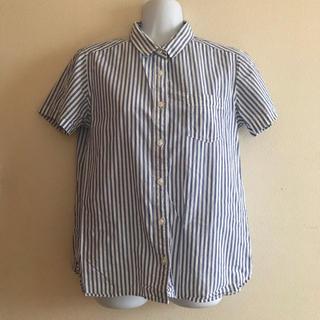 ジーユー(GU)のストライプ シャツ ブラウス 綿100% M ブルー ワイシャツ(シャツ/ブラウス(半袖/袖なし))