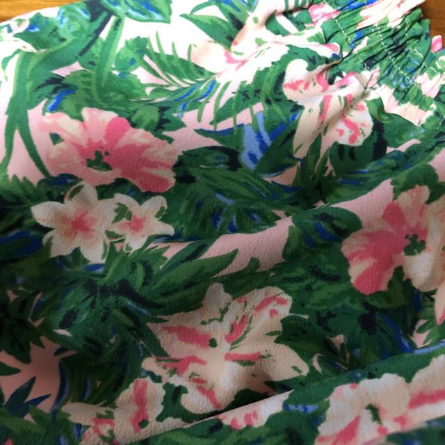 GU(ジーユー)のジーユー 花柄スカート キュロット キッズ/ベビー/マタニティのキッズ服 女の子用(90cm~)(スカート)の商品写真