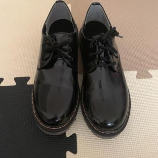 シマムラ(しまむら)のしまむら エナメルシューズ (ローファー/革靴)