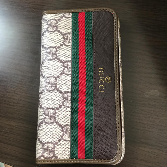 Gucci - iphoneケース   の通販