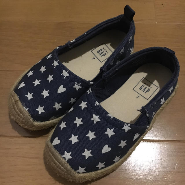 babyGAP(ベビーギャップ)の美品☆GAP星柄レア14センチ キッズ/ベビー/マタニティのベビー靴/シューズ(~14cm)(スニーカー)の商品写真