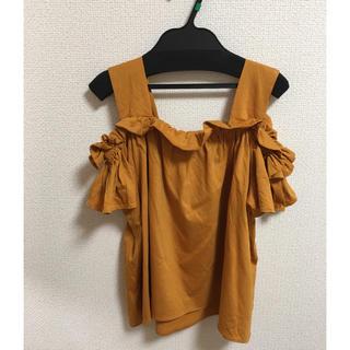 イネド(INED)のオフショルカットソー(カットソー(半袖/袖なし))
