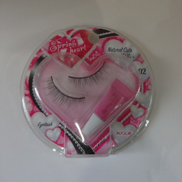 コージー本舗(コージーホンポ)のコージースプリングハートアイラッシュ02 コスメ/美容のベースメイク/化粧品(つけまつげ)の商品写真