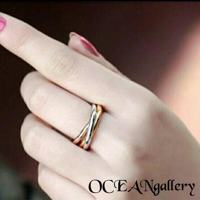 送料無料 25号 サージカルステンレス 三色三連リング 指輪 トリニティリング レディースのアクセサリー(リング(指輪))の商品写真