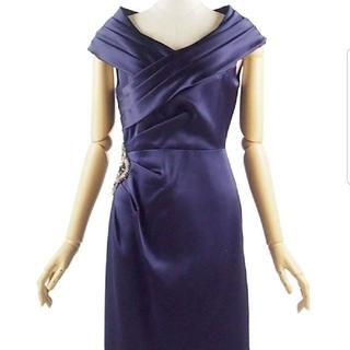 グレースコンチネンタル(GRACE CONTINENTAL)の美品 膝丈 完売商品 ドレス ワンピース(ミディアムドレス)