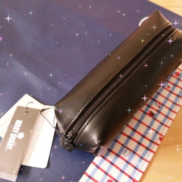 MARY QUANT(マリークワント)のマリークワントのラバーデイジースクエアペンケース インテリア/住まい/日用品の文房具(ペンケース/筆箱)の商品写真