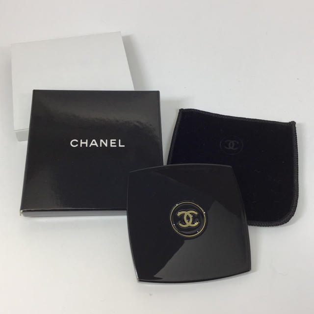 CHANEL(シャネル)のシャネル 携帯用ミラー 片面 ☆美品☆ 6.7cm 手鏡 CHANEL レディースのファッション小物(ミラー)の商品写真