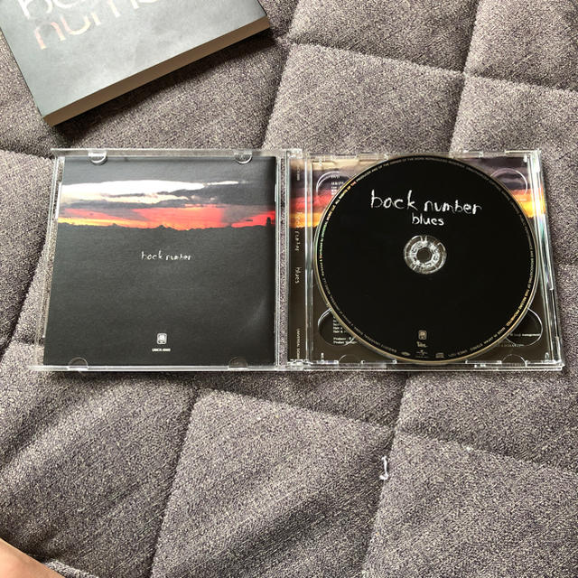 BACK NUMBER(バックナンバー)の back number blues 初回限定DVD付 レア CD エンタメ/ホビーのCD(ポップス/ロック(邦楽))の商品写真
