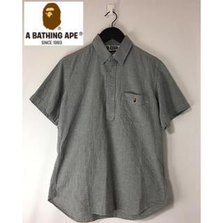 アベイシングエイプ(A BATHING APE)のアベイシングエイプ APE プルオーバー半袖チェックシャツ 黒×白 M(シャツ)