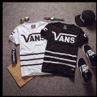 ヴァンズ(VANS)のVANS 黒  Tシャツ(その他)