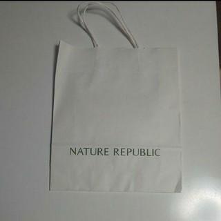ネイチャーリパブリック(NATURE REPUBLIC)のNATURE REPUBLIC 韓国 紙袋 約25.5cm×30cm×9cm(ショップ袋)