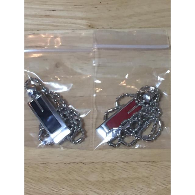 BANDAI(バンダイ)の仮面ライダー555 乾巧 着用ネックレス 黒 赤 2点セット メンズのアクセサリー(ネックレス)の商品写真