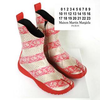 マルタンマルジェラ(Maison Martin Margiela)のmaison margiela tabi スキューバ ブーツ 足袋ブーツ 赤(ブーツ)