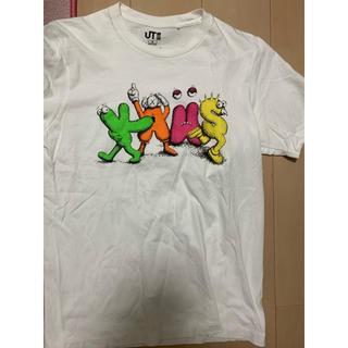 アベイシングエイプ(A BATHING APE)の激レアMサイズ!KAWS×UNIQLOコラボTシャツ白(Tシャツ/カットソー(半袖/袖なし))