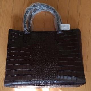 新品未使用(半額以下) Black On TETEHOMME 型押しトートバッグ