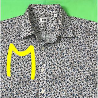 ユニクロ(UNIQLO)の男性 M《UNIQLO》(小花柄)シャツ(シャツ)