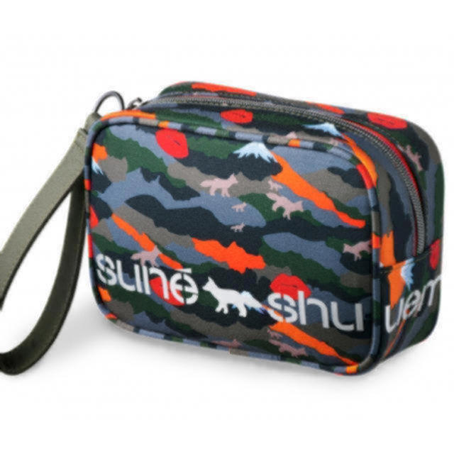 MAISON KITSUNE'(メゾンキツネ)のメゾンキツネ シュウウエムラ コラボポーチ レディースのファッション小物(ポーチ)の商品写真