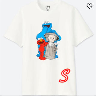 ユニクロ(UNIQLO)のUNIQLO×kaws  コラボ  UT  セサミストリート サイズS (Tシャツ/カットソー(半袖/袖なし))