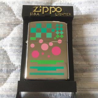 ジッポー(ZIPPO)の超美品!★Zippo ジッポーライター★グリーン&ピンク★アート柄★(タバコグッズ)