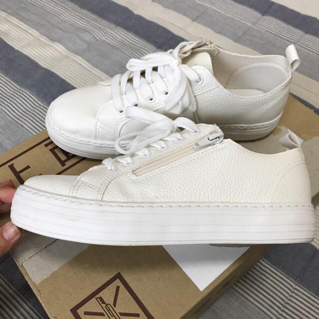 しまむら(シマムラ)のスニーカー白系 2足 レディースの靴/シューズ(スニーカー)の商品写真