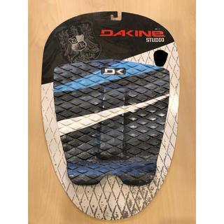 ダカイン(Dakine)のDAKINE デッキパッド 新品未使用 送料無料(サーフィン)