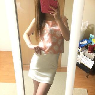 パピヨネ(PAPILLONNER)のパピヨネ♡花柄 ショート トップス(カットソー(半袖/袖なし))