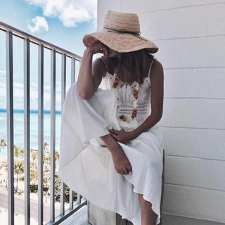 ルームサンマルロクコンテンポラリー(room306 CONTEMPORARY)のジュンナさん着用 エトレトウキョウ  シールームリン(麦わら帽子/ストローハット)