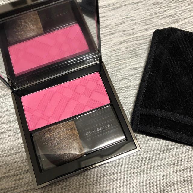 BURBERRY(バーバリー)のバーバリーコスメ ライトグロウ チーク カラー PF09 ピンク コスメ/美容のベースメイク/化粧品(チーク)の商品写真