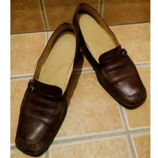 【更にお値下げしました❗️】ブラウンの革製ローファー(ローファー/革靴)