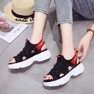 スポーツサンダル ブラック&レッド 厚底 韓国ファッション シック(サンダル)
