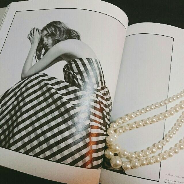Vera Wang(ヴェラウォン)のトリートドレッシング book レディースのフォーマル/ドレス(ウェディングドレス)の商品写真