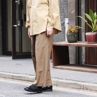 コモリ(COMOLI)のオーラリー AURALEE 日本製 ハイカウントクロス ワイドパンツ 4(チノパン)