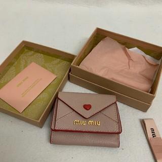 ミュウミュウ(miumiu)のMIUMIU 三つ折り財布(折り財布)