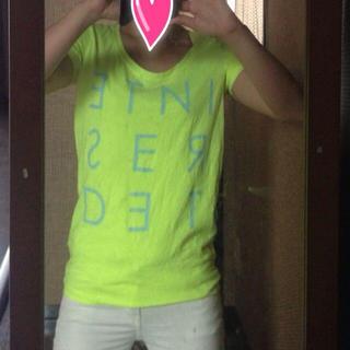 ジーユー(GU)の蛍光イエロー♥Tシャツ(Tシャツ(半袖/袖なし))